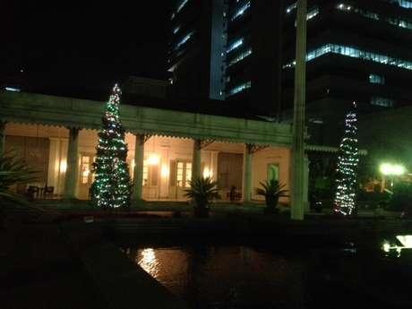 Pohon natal di kantor Gubernur DKI Jakarta (IST)