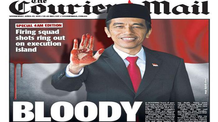 Foto ilustrasi berita utama media Australia, The Courier Mail, yang menampilkan tangan Presiden RI Jokowi berlumur darah, Rabu (29/4/2015).