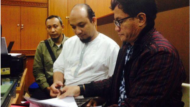 Novel Baswedan ditahan sehubungan dengan kasus pada 2004 lalu, saat dia masih bertugas di Kepolisian Bengkulu. - Foto BBC
