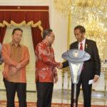 Ketum PAN Zulkifli Hasan dan Presiden Jokowi (ANTARA)