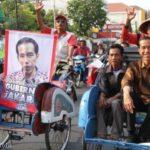 Jokowi naik becak (IST)
