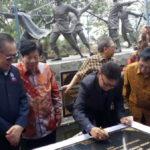 Tjahjo Kumolo meresmikan monumen di TMII (IST)