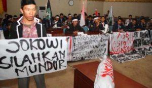 Demo meminta Jokowi mundur (IST)
