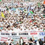 Demo Umat Islam minta Ahok ditangkap dan diadili (Detik)