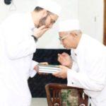 Syaikh Mahir Hasan Al Munajjid dan KH Ulin Nuha Al Hafidz (DOK Santri Menara)