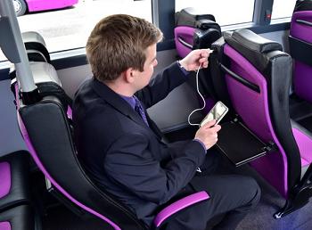 Sediakan Charger di Bus, Cara Tokyo Manjakan Penumpang