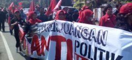 Kalah di Pilkada Banten, Massa Banteng Geruduk KPUD