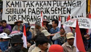 Demo warga Kendeng menolak PT Semen Indonesia (IST)