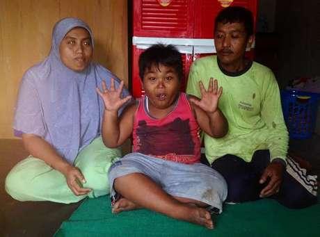 Kiki dan kedua orangtuanya (Putri Akmal/detikcom)