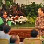 Jokowi dan pengemudi ojek online (IST)