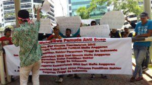 Demo isu suap pemilihan Rektor PTN di KPK (IST)