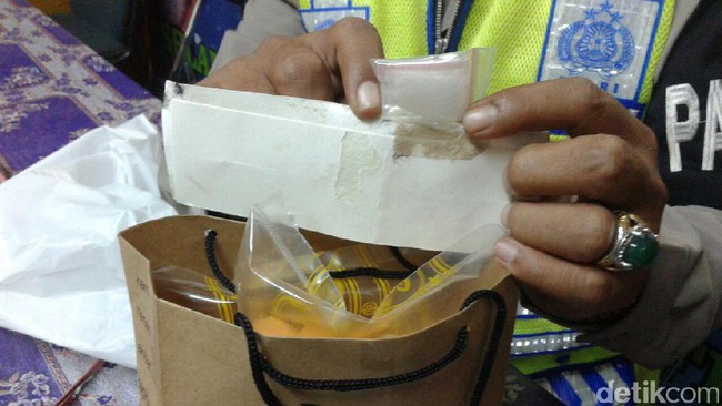 Paket yang berisi Narkoba