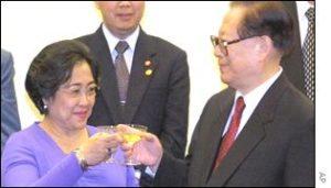 Megwati dan Jiang Zemin (IST)