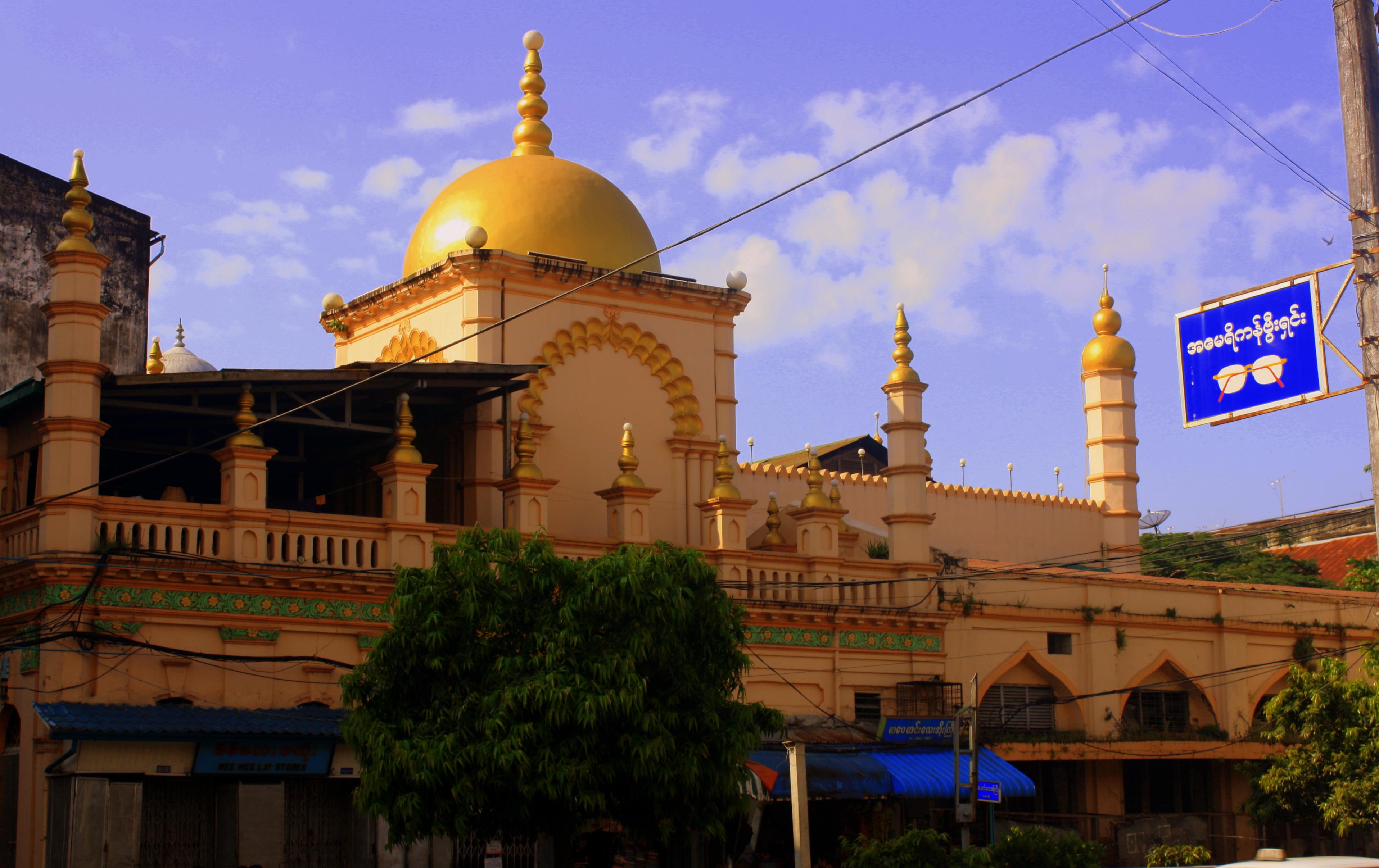 Chulia Dargah Mosque di Yangon (IST)