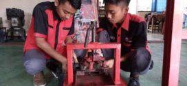 Siswa SMK Semarang, Ubah Gambut di Rawa Pening Menjadi Briket