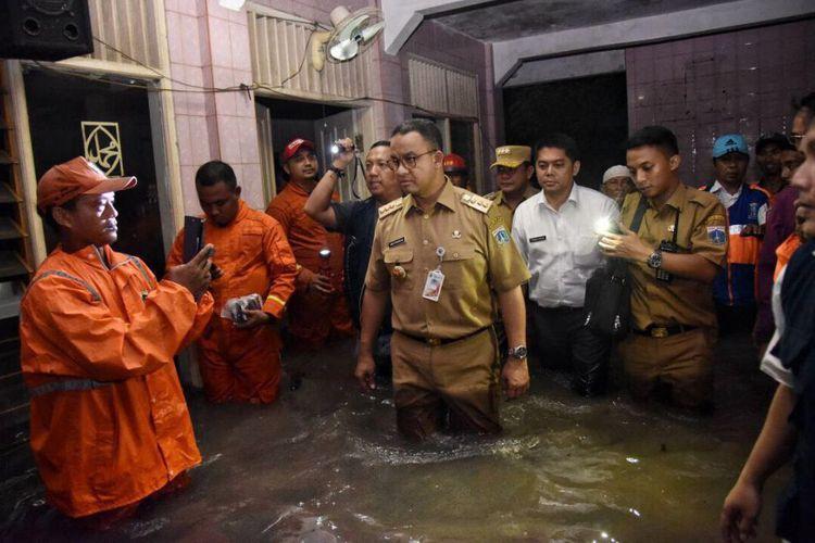Forum Badja: Tak Bisa Atasi Banjir & Macet, Anies Mundur Saja